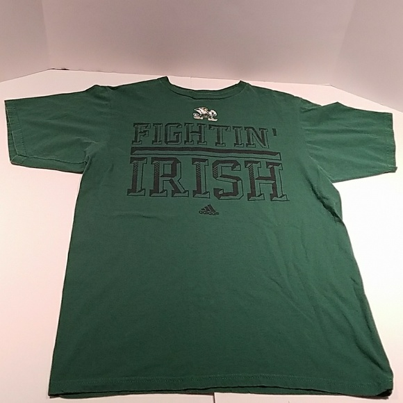 1a4115280f6 University of Notre Dame Fighting Irish Green Tee.  M 5afc5bcf61ca10df8e0c7fc3